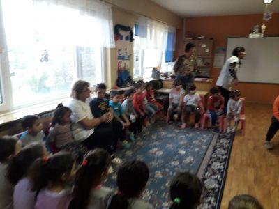 Приказки разказвам в детската градина в Кукорево - ОУ Христо Ботев - Кукорево